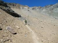 La traccia che scende nel vallone del Leynir (via di ritorno)