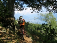 Il panoramico sentiero per la Corona dei Pinci