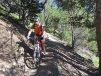 Discesa in single track per Serre Lan
