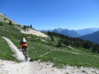 Fantastico trail In direzione di Serre Lan lungo il pendio del Crête de Peyrolle