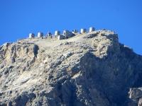 Le torri delle batterie dello Chaberton ben visibili salendo lungo la militare di val Morino