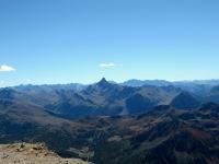 Panorama dalla cima dello Chaberton - Pic de Rochebrune al centro (3.320) e l'area del Monginevro in primo piano (a sx il monte Janus)