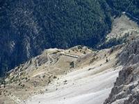 Panorama dallo vetta dello Chaberton - Le Batterie del Petit Vallon poste sulle pendici del Monte Chaberton sopra Claviere