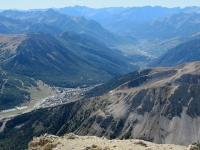 Panorama dalla cima dello Chaberton - Monginevro in primo piano, sullo sfondo Briançon