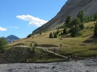 Discesa su sentiero nel vallone di Rio Secco - Nei pressi della località Sette Fontane