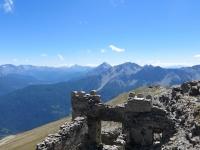 Resti della fortificazione sulla sommità del Monte Jafferau