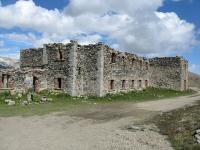 Resti della casermetta militare presso il Colle Basset