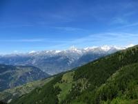 Sentiero da Sädolti per il Gebidumpass, vista sulla catena montuosa del Vallese, dal Bietschhorn (sx, 3.934) all'Aletschhorn (dx,  4.193)