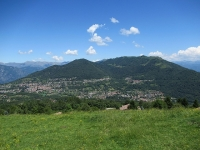 Panoramica sui rilievi che separano il Lago di Como dalla Val d'Intelvi - Monte Pasquella, Sertore e Costone