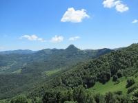 Panorama Val d'Intelvi  da Casasco - Sullo sfondo il Sasso Gordona, il Poncione di Cabbio con al centro il rifugio Prabello