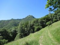 Salita al Rifugio Prabello - Vista sul Sasso Gordona