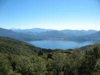 Salita verso Il Colle - panorama su Luino