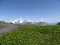 Salita al Colle Belvedere, panorama sul Massiccio del Monte Bianco