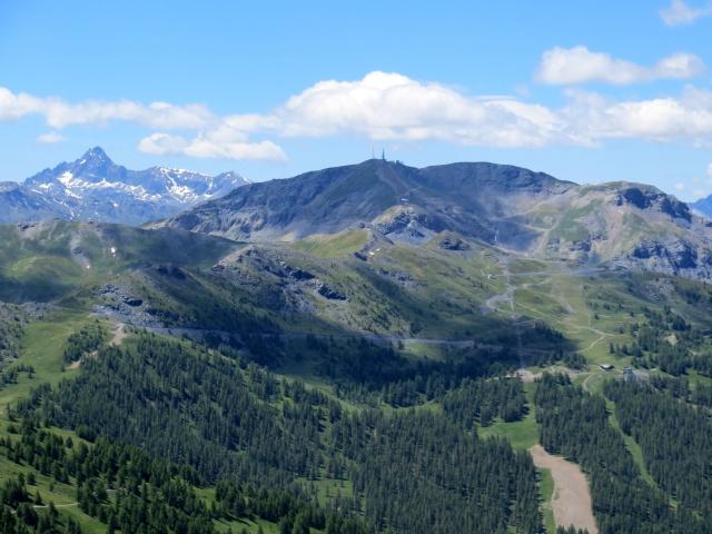 Monte Genevris - Panorama sul Monte Fraiteve e su parte dell'Alta Via della Assietta