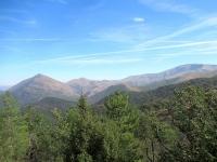 Il Monte Toggio (sx) e gli attigui rilievi nel Parco delle Capanne di Marcarolo