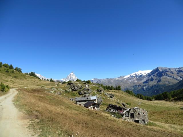 Alpe Gilliarey, magnifico sfondo alpino