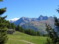 Panorama sulla Conca di Chamois nei pressi dell'Alpe di Chatelard