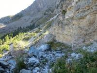 Discesa dall'Alpe Crou du Tsa, attraversamento di una parete rocciosa sotto la vetta del Pancherot