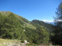 Panorama sugli alpeggi che precedono il Lago di Colina