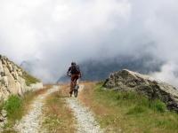 La sterrata per l'Alpe Tsomioy