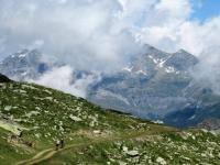 La sterrata che scende dall'Alpe Tsomioy