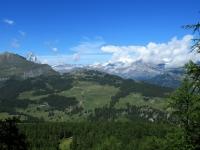 Panorama sul Gruppo del Rosa (tra le nuvole) e sul Monte Cervino da Plan di Cor