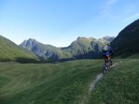 Stockalperweg, in direzione di Simplon Dorf. Sullo sfondo il Furggupass