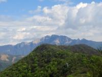 Sulla vetta del Monte Orsa, panorama sul Monte Generoso