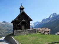 La bella cappella in legno Maria zum Schnee della Faldumalp