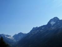 Rilievi della  Lötschental - Sulla destra il Bietschhorn (3.934 m)