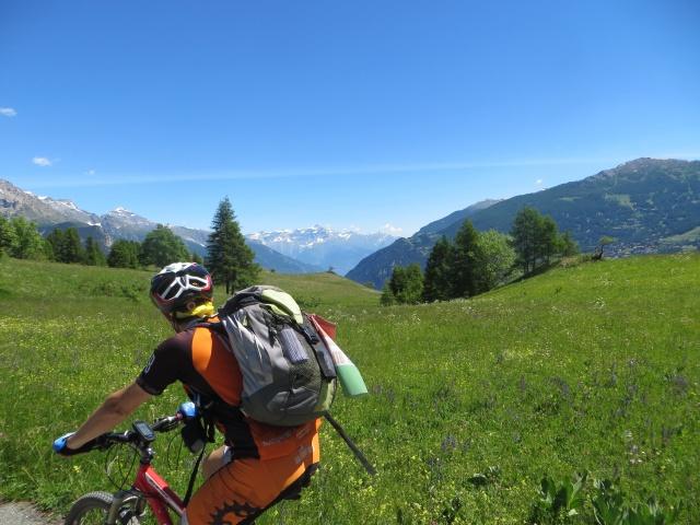 Salendo al Rifugio Alpino La Chardouse