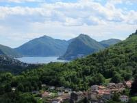 Scorcio del Lago di Lugano nel corso della salita alla Capanna Monte Bar
