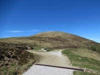 In direzione di Piandanazzo - La spoglia vetta del Monte Bar