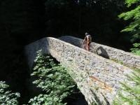 Il Ponte in pietra che si incontra lung il sentiero per Grengiols