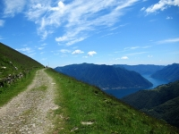 La militare che taglia le pendici del Monte di Tremezzo e del Crocione