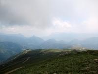 Panorama (ai margini della nebbia a dx ) sul Passo di San Lucio