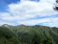 Monte Tamaro (sx) ed il gruppo montuoso che lo precede