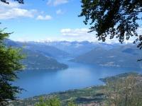 Forestale che aggira il Monte Nudo: scorcio sull'Alto lago Maggiore