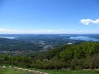Panorama dal Monte Crocione: Lago di varese (sx) e Lago Maggiore (dx), Varesotto