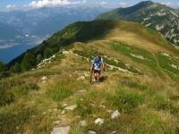 Breve salita non ciclabile per la vetta del Monte Covreto