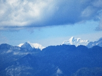 Panorama sulla Capanna Tamaro - Le alpi bernesi (Jungfrau mt 4.158 a destra, Gletscherhorn  mt 3.983 a sinistra)
