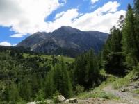 Panorama sul Roc del Boucher (3.285) lungo il sentiero in direzione di Bousson