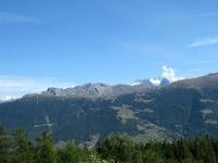 Il Gibidumpass in primo piano, sullo sfondo i rilievi che sovrastano il Passo del Sempione