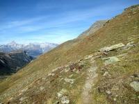 Il sentiero che ripercorre sul lato opposto la Nanztal provenendo da Obers Fulmoos
