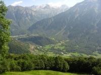 Panorama sulla Val di Blenio, sullo sfondo l'Adula