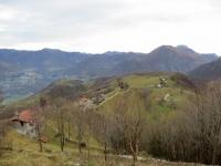 Vista dal Pialeral sugli alpeggi sottostanti (Alpe Cova)