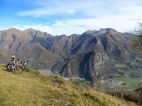 Panorama sui rilievi della Valsassina da San Calimero