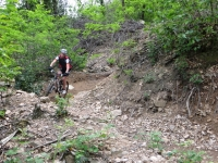 Discesa dall'Alpe della Croce lungo il divertente trail