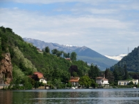 Rilievi del Canton Ticino visti da Porto Ceresio