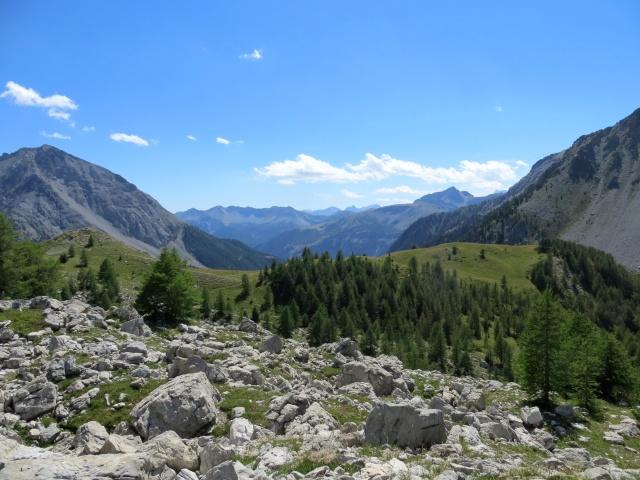 Lungo il sentiero di discesa in direzione del Col des Acles, panorama